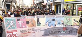 Passeata marca 16º dia de greve dos bancários no ABC