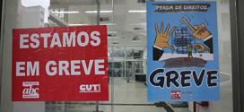 Bancos tentam impedir que greve continue