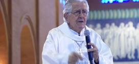 Dom Angélico, bispo emérito de Blumenau, defende a greve dos bancários durante missa em Aparecida