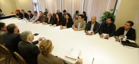 Fenaban propõe novo reajuste de 7% e abono de R$ 3,3 mil; comando nacional pede intervalo e continuará negociação