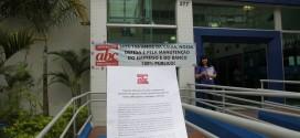 Aniversário da Caixa é marcado por dia deluta de seus empregados; ABC participa