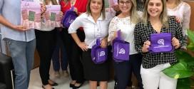 Diretores do Sindicato entregam jornal Nova Identidade e brinde para as bancárias da região