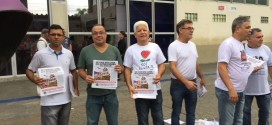 Diretores do Sindicato fazem panfletagem contra a reforma da Previdência